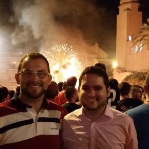 David Caballero y Juan Antonio Sempere asistieron a la cremá de la hoguera de San Juan Bautista del Raval
