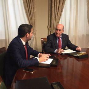 David Caballero traslada al Senador Luis Crisol la preocupación de los regantes ilicitanos