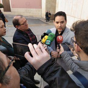 David Caballero amenaza con llevar a los tribunales al Gobierno Tripartito si no cumple con la normativa de señalización