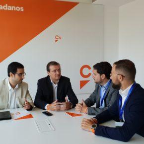 Cs Elche se desplaza a Madrid para exigir mejoras en las coberturas del seguro de la Granada Mollar