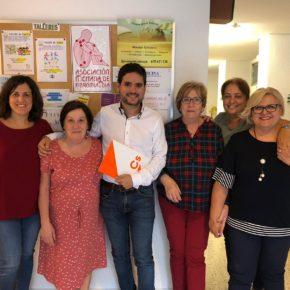 La Asociación de Fibromialgia de Elche se reúne con Cs para solicitar mejoras