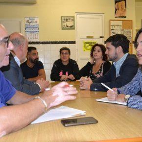 La AAVV de Porfirio Pascual reclama en la reunión con Cs contenedores accesibles, mayor limpieza en el barrio e inversión